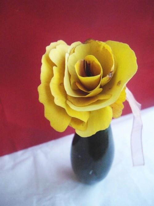 kleine vase basteln mit blättern tischgestaltung