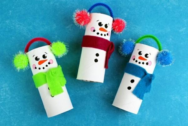 lustige schneemänner aus klorollen ausgefallene weihnachtsdeko selber machen
