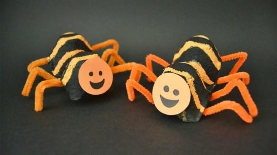 lustige spinne basteln aus eierkarton
