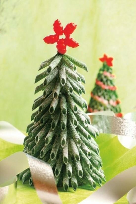 mini weihnachtsbaum basteln mit nudeln