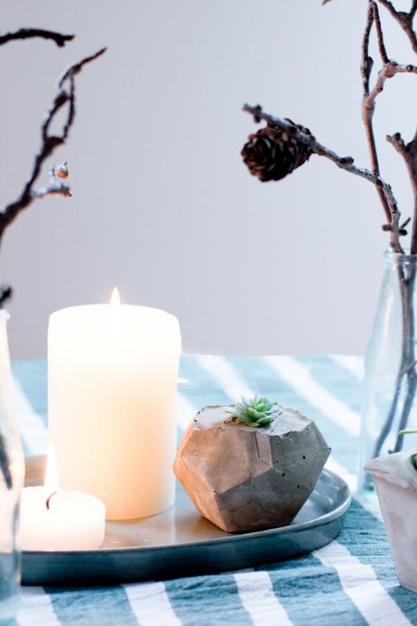 minimalistische tischdeko winter mit betonvase