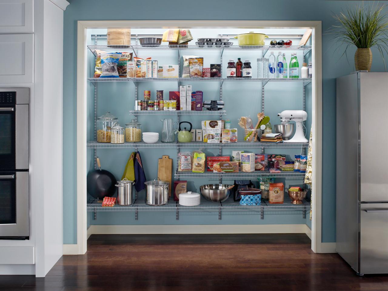 pantry küche eine ganze wand