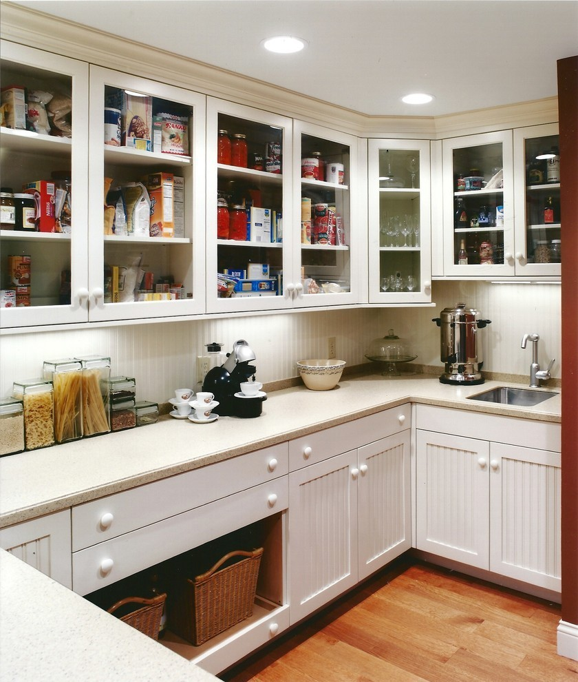 ideen f r die perfekte ordnung f r pantryk che in jedem stil. Black Bedroom Furniture Sets. Home Design Ideas