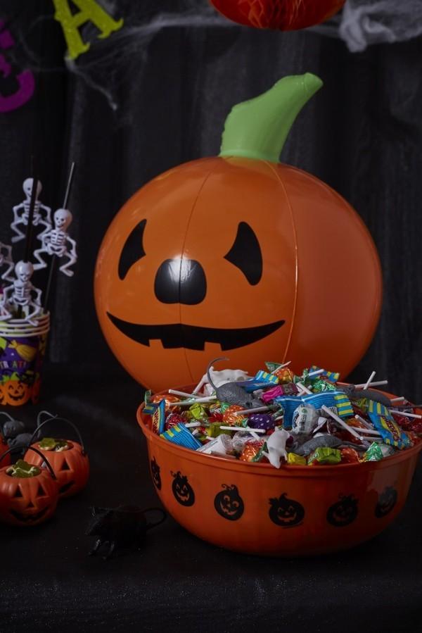 platik kürbisse halloween deko