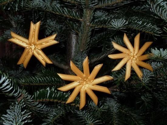schöne weihnachtssterne basteln mit nudeln