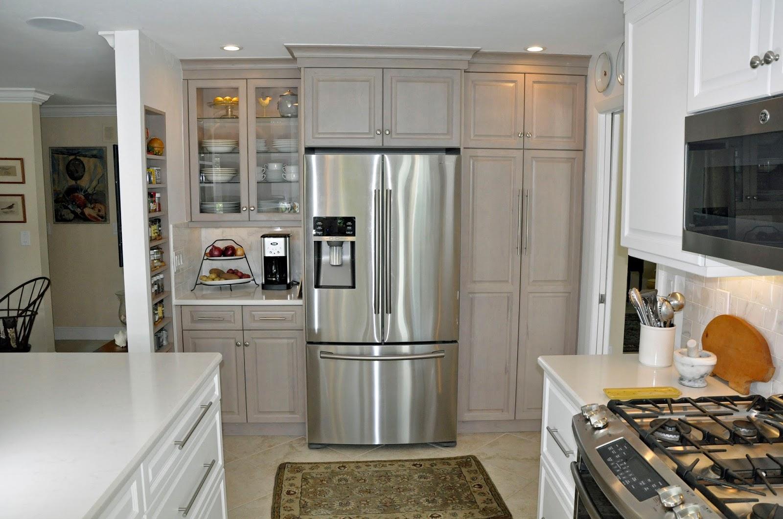 schränke neben dem kühlschrank pantry küche
