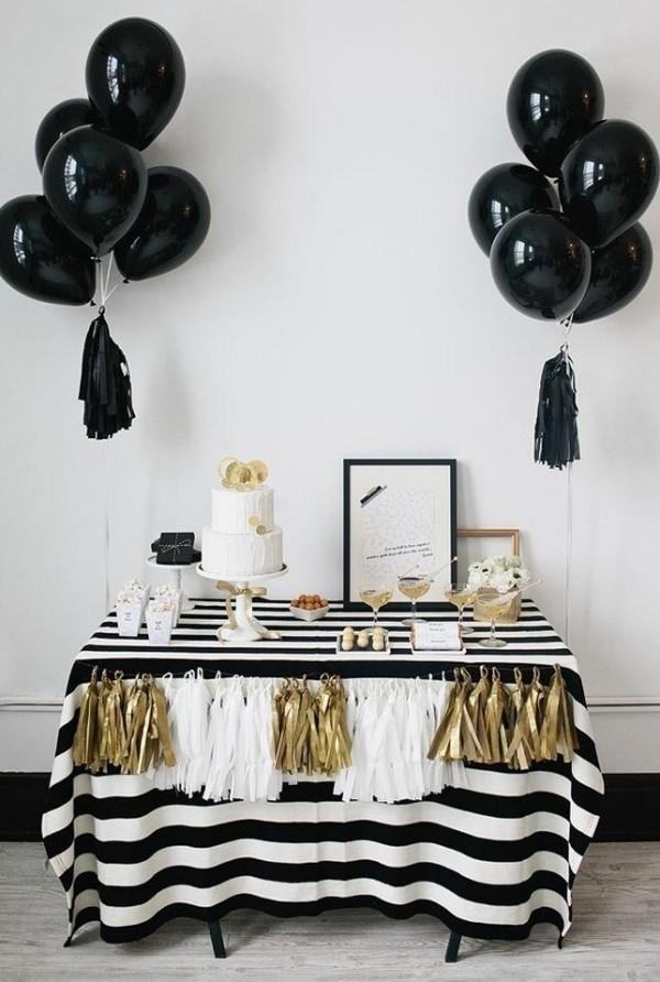 schwarz weiße tischdecke und ballons deko ideen