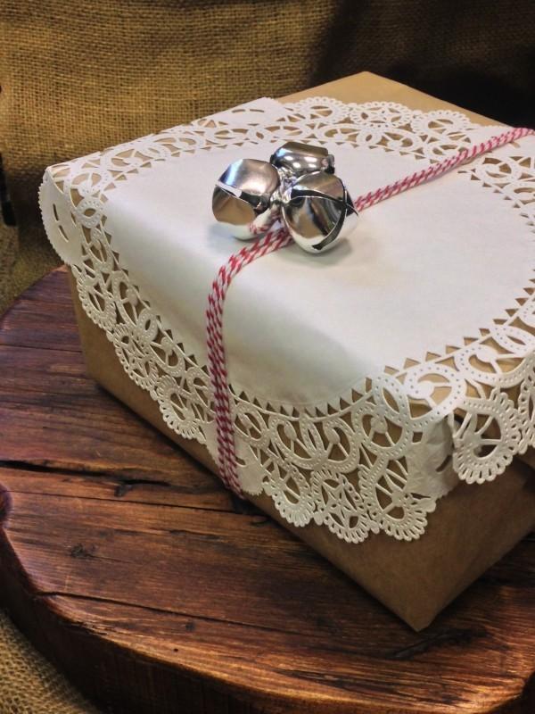 silberne und tolle papierdeko geschenkpapier