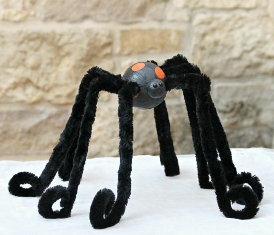 spinne basteln halloween bastelideen mit pfeifenputzer