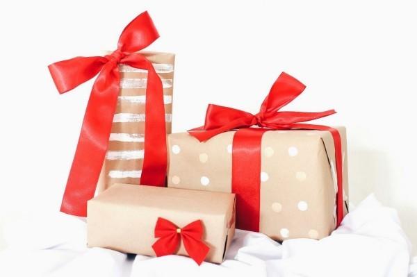 stilvolle farbkombo geschenkpapier