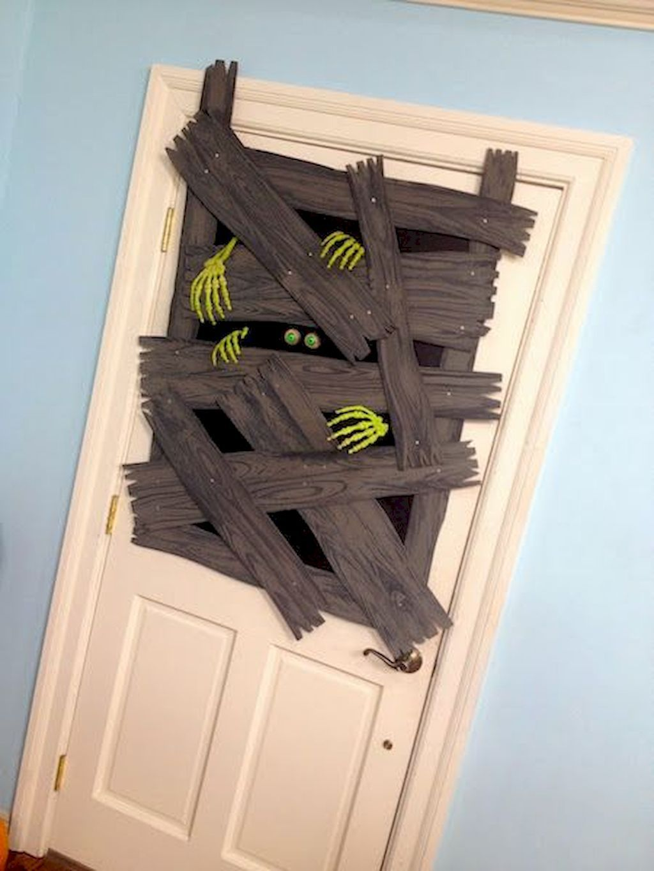 tolle Deko für die Tür basteln mit klopappierrollen