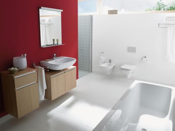 tolle rote akzentwand badezimmer gestaltungsideen