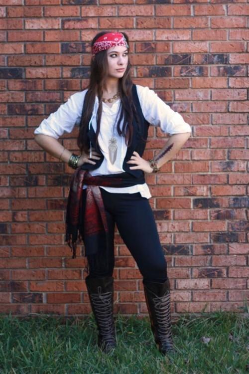 verführerisch als Piratin interessante Halloween Kostüme für Frauen
