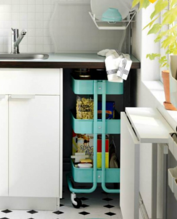 weiße küche stauraum etagen