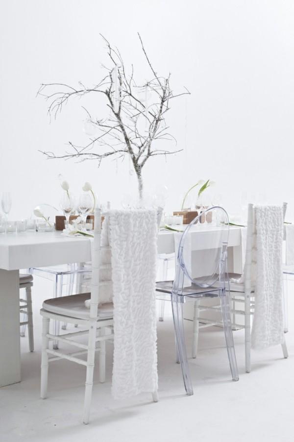 weiße tulpen zweige tischdeko winter