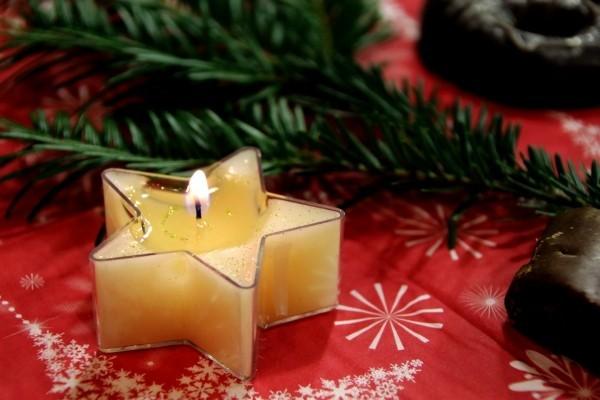 weihnachtenbastelideen schöne einrichtung für den tisch