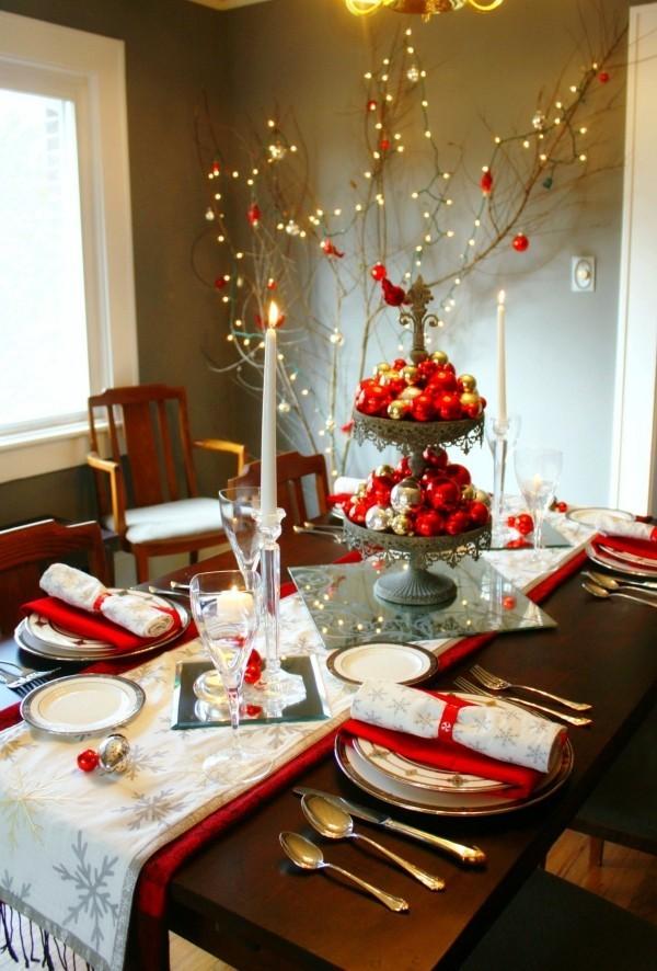 weihnachtliche Tischdeko baumschmuck