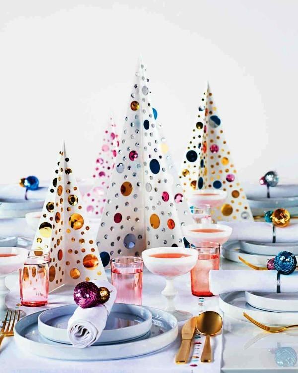 weihnachtliche Tischdeko bunt