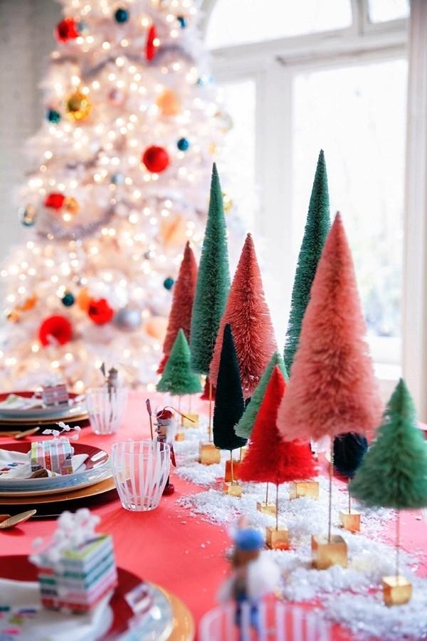 weihnachtliche Tischdeko drei farben