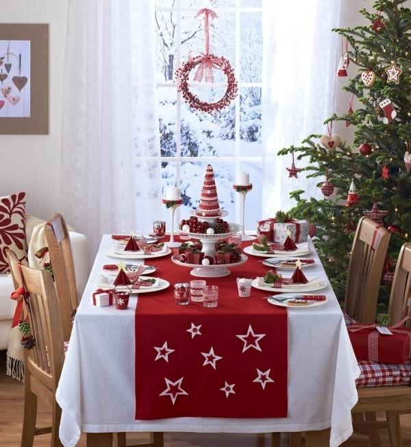 weihnachtliche Tischdeko klassisch