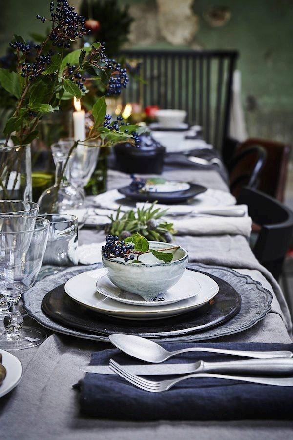 weihnachtliche Tischdeko grau silber