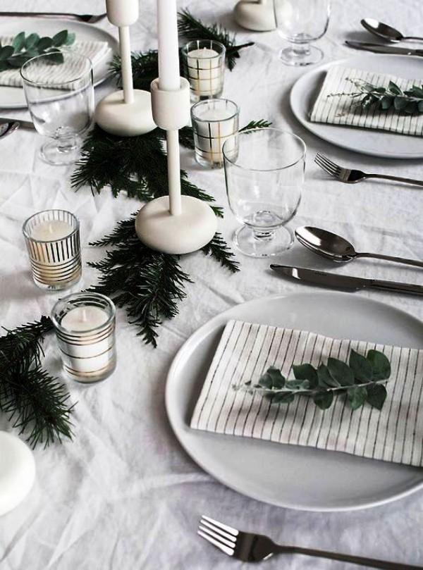 weihnachtliche Tischdeko grau
