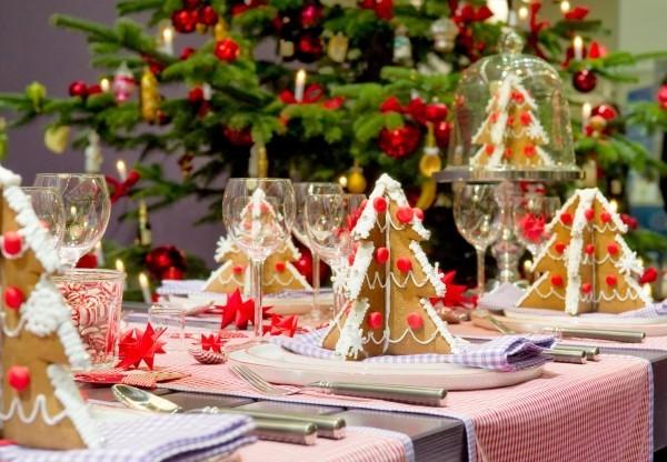 weihnachtliche Tischdeko keksbäume