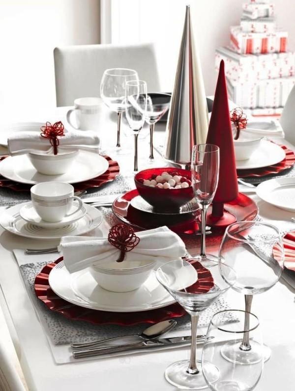 weihnachtliche Tischdeko rot silber
