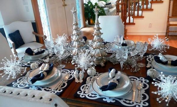weihnachtliche Tischdeko silber weiß