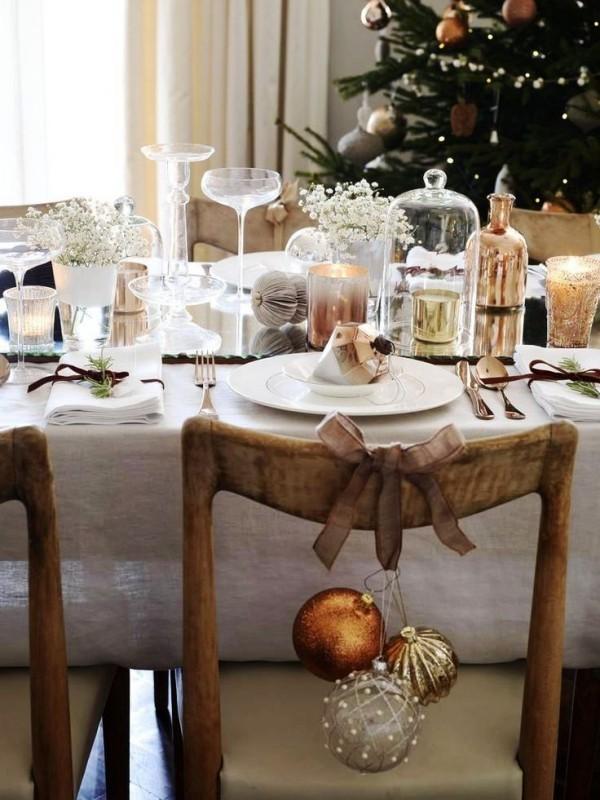 weihnachtliche Tischdeko stuhldeko