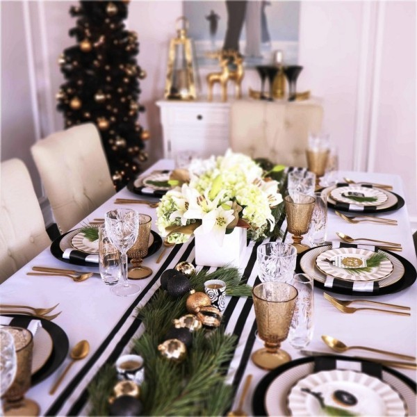 weihnachtliche Tischdeko weiß schwarz gestrichen