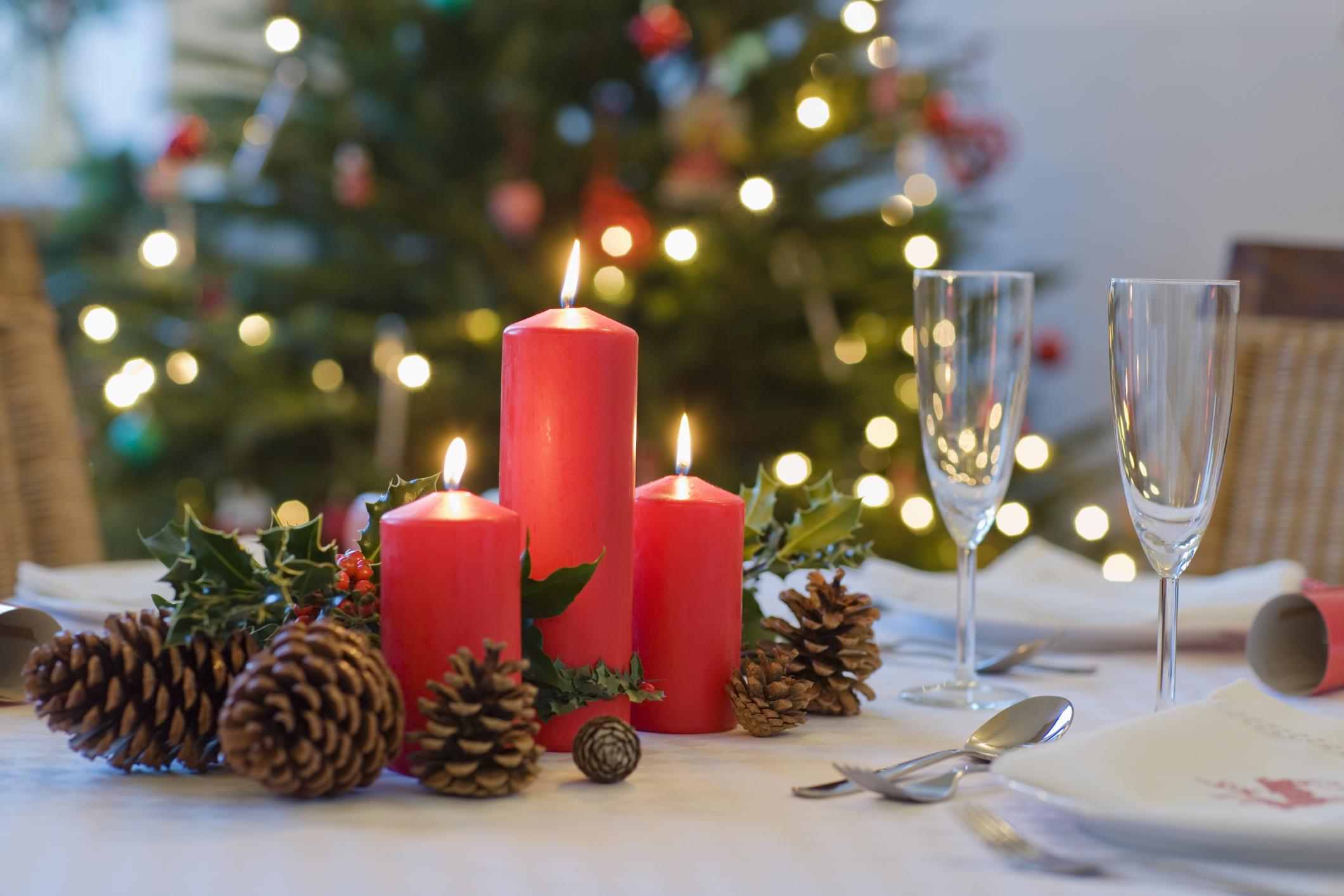 weihnachtsbastelideen eichel und schöne kerzen