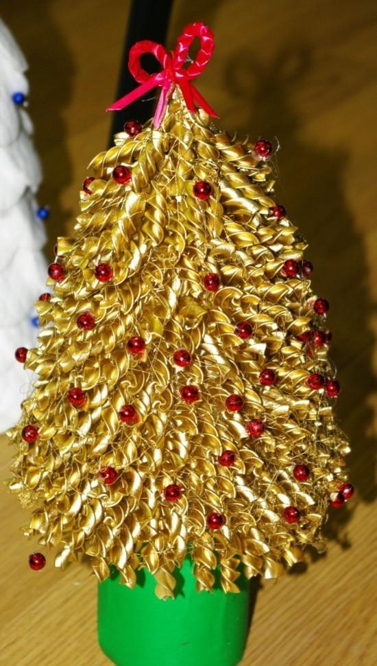 weihnachtsbaum basteln mit nudeln