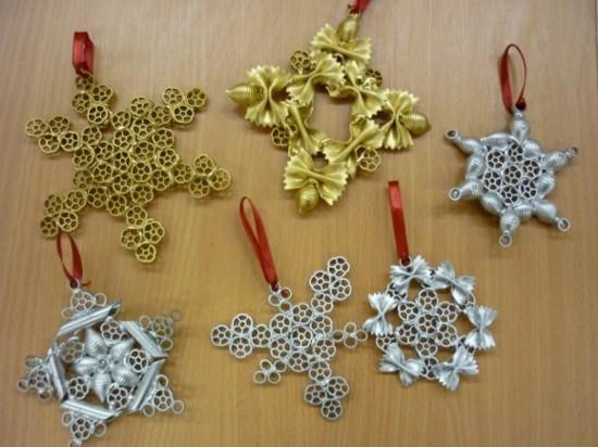 weihnachtsdeko weihnachtsschmuck basteln mit nudeln