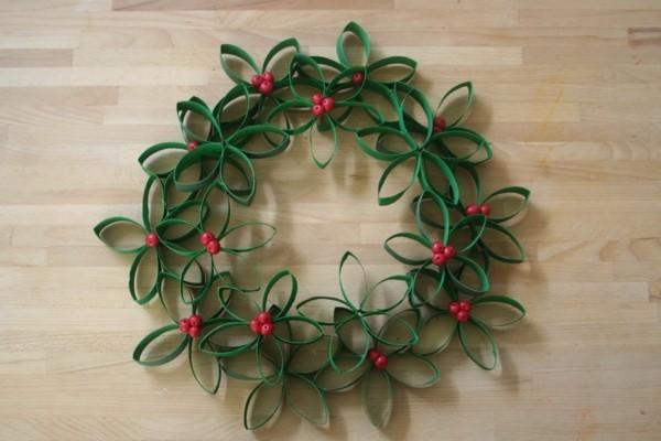 weihnachtskranz basteln ausgefallene weihnachtsdeko selber machen