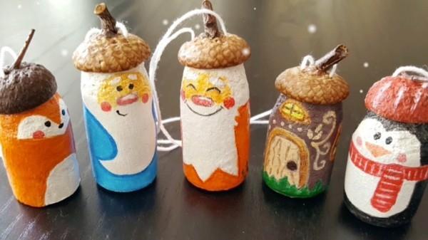 weihnachtsschmuck basteln mit eicheln