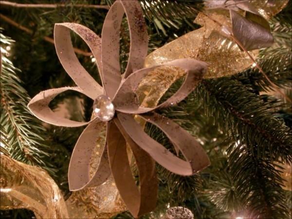 weihnachtsstern aus klopapierrollen ausgefallene weihnachtsdeko selber machen