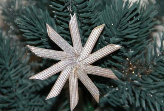 weihnachtsstern christbaumschmuck basteln mit nudeln