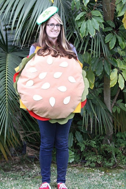 wie Hamburger gekleidet lustige Halloween Kostüme