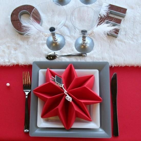 servietten falten weihnachten 5 einfache anleitungen und. Black Bedroom Furniture Sets. Home Design Ideas