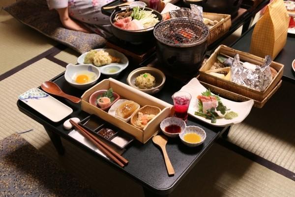 Japanisches Essen traditionsgemäß kleine Portionen verzehren große Vielfalt an Speisen