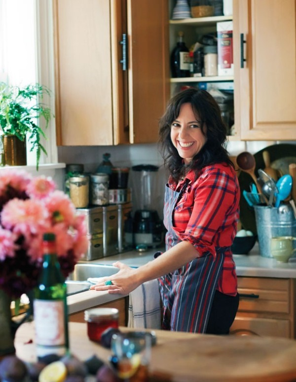 Unterhaltungstipps Gastgeberin nicht ständig in der Küche bleiben sondern sich amüsieren unter Gästen