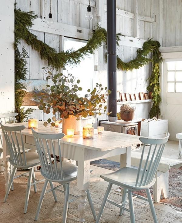 Weihnachten auf dem Lande feiern einladende Atmosphäre im Esszimmer schaffen
