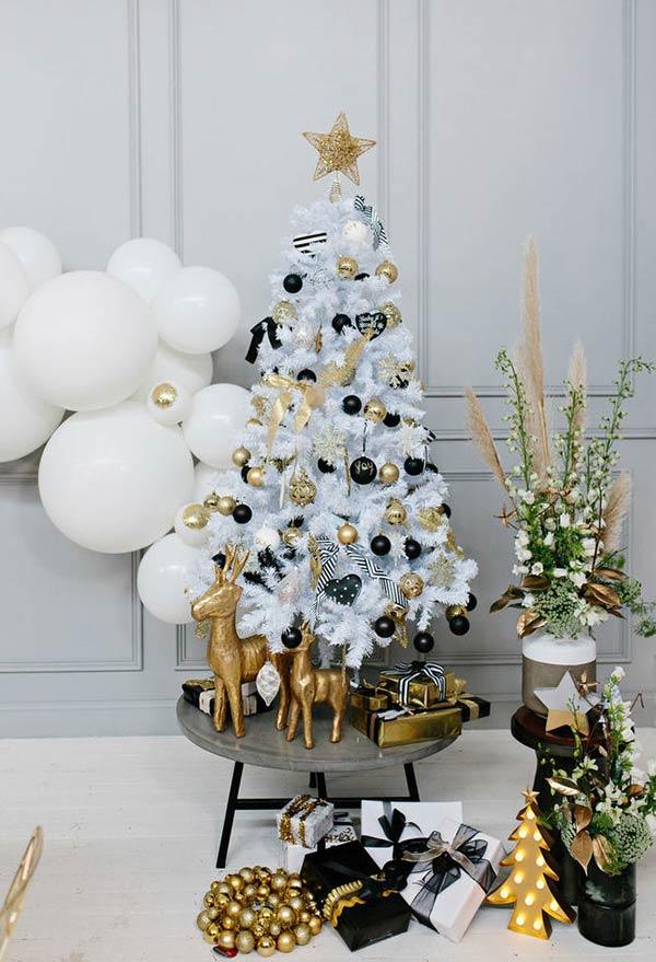 christbaumschmuck schwarz und gold