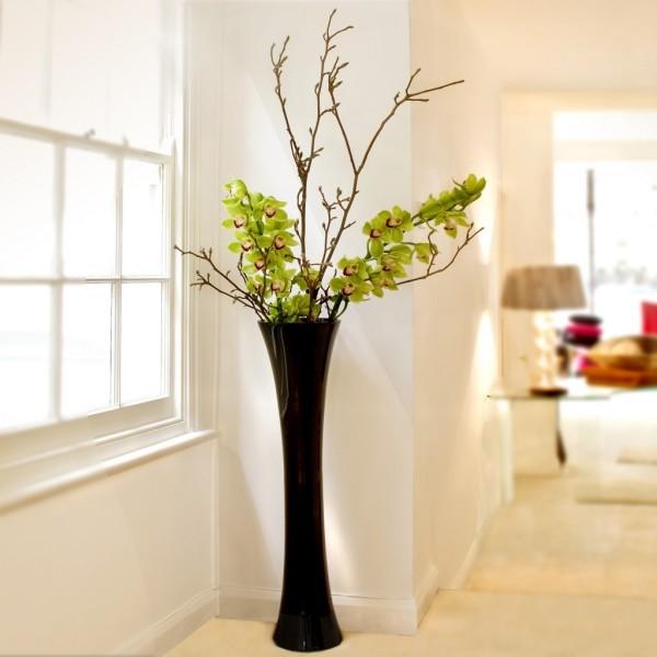 deko ideen schwarze vase mit zweigen