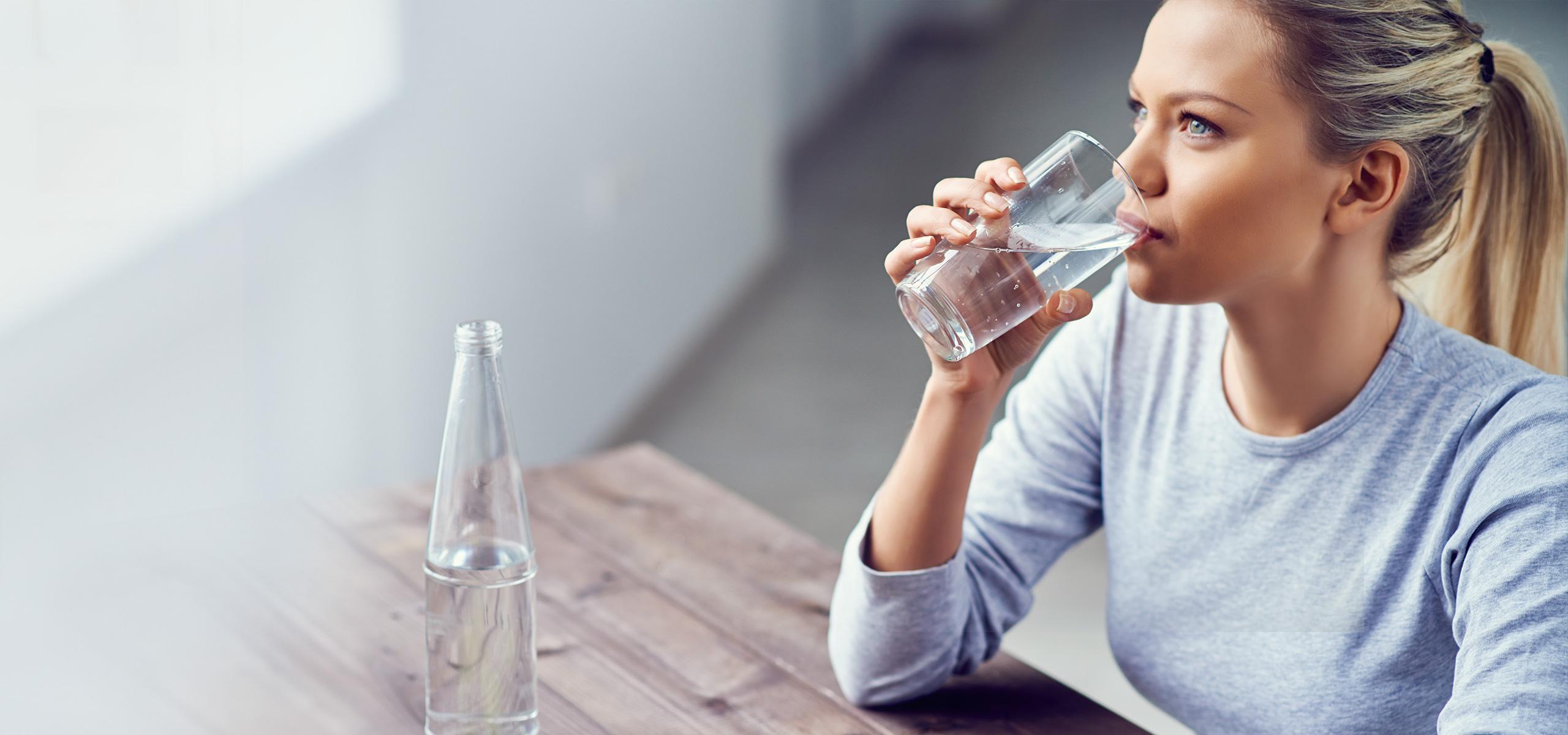 flüssigkeitsmangel viel wasser trinken