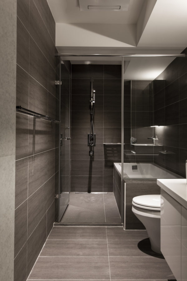 ideen f r die badezimmergestaltung in den trendfarben rot und gr n. Black Bedroom Furniture Sets. Home Design Ideas