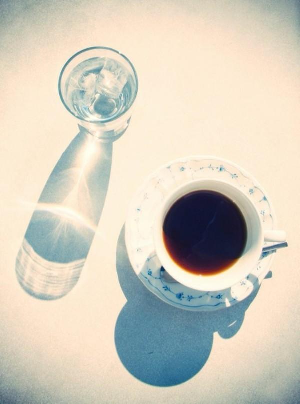 kaffee trinken flüssigkeitsmangel wasser trinken