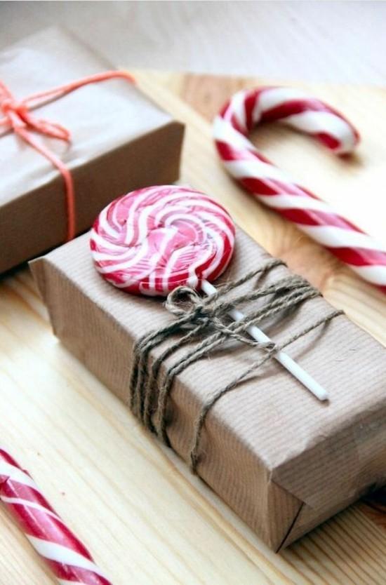 last minute weihnachtsgeschenke verpacken mit süßigkeiten