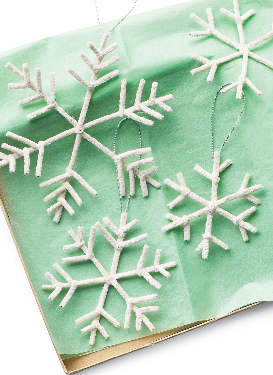 papier mit schneeflocken schmuck basteln